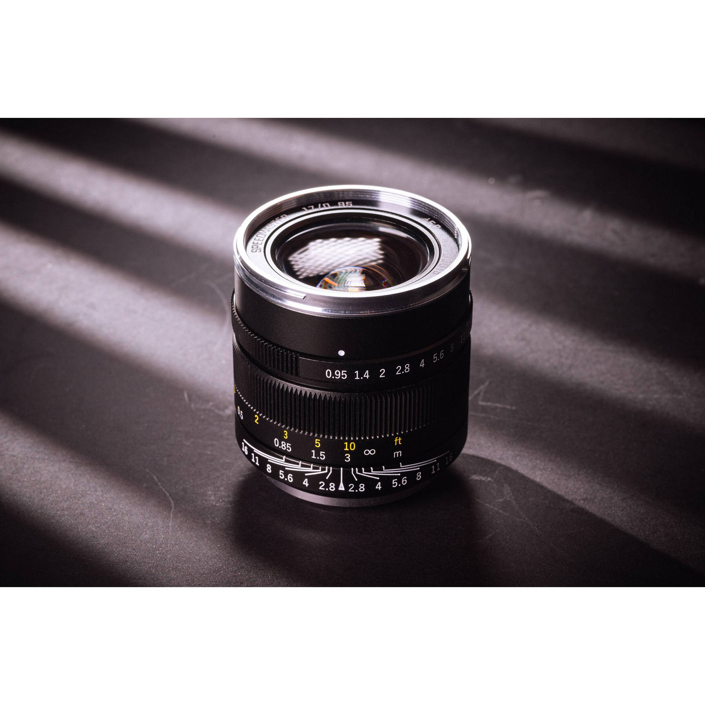 Mitakon Zhongyi Speedmaster 17mm f 0.95